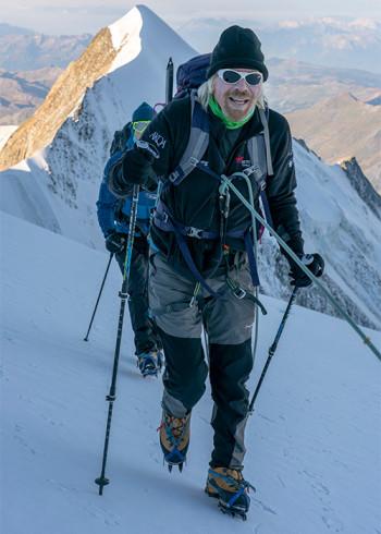 Sir Richard Branson med vzponom na Mont Blanc