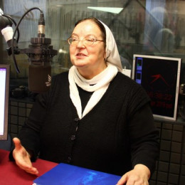 s. Emanuela Žerdin (photo: Rok Mihevc)