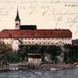 Samostan (photo: www.nm-kloster.si)