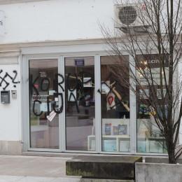 Z grafiti popisana izložba Zavoda Iskreni. (photo: STA)
