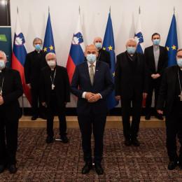 Škofje s predsednikom vlade (photo: Kabinet predsednika vlade)