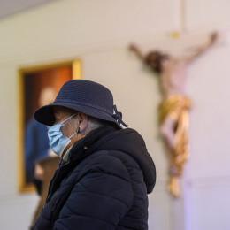 Verski obredi v času koronavirusa (photo: Rok Mihevc)