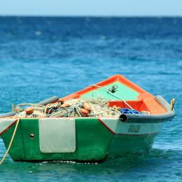 Čoln na morju (photo: Pixabay)