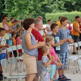 Srečanje družin Aninega sklada na Brezjah (photo: www.marija.si)