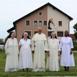 Sestre dominikanke Svete Katarine Sienske v župniji Petrovče (photo: FB Vanči Arzenšek)
