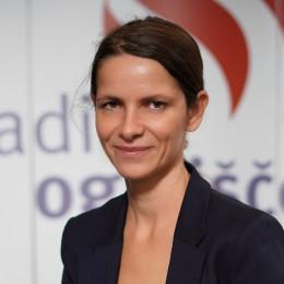 Katja Cankar: 'Osnovna višina mesečne štipendije za dijake je 122,88 €, za študente pa 143,36 €. Za izobraževanje v tujini je Zoisova štipendija še enkrat višja.' (photo: Izidor Šček)