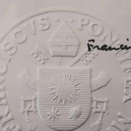 Lastnoročno podpisano pismo papeža Frančiška (photo: nadškofija Maribor)