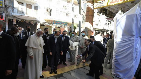 Papež Frančišek na zgodovinskem obisku v Iraku (photo: Vatican Media)