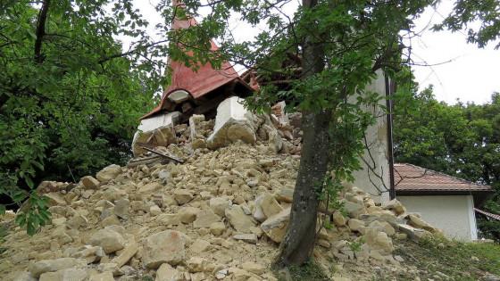 Zrušenje cerkve na Malem Vrhu pri Globokem (photo: Boris Kovačič)
