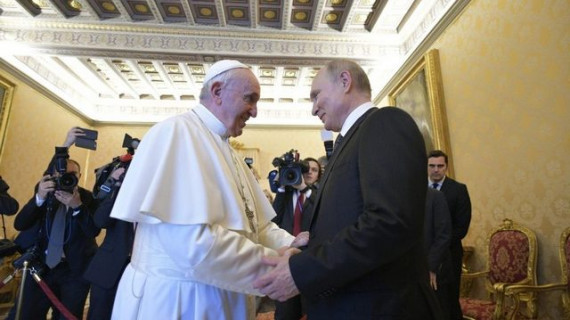 Papež s Putinom (photo: Vatican News)